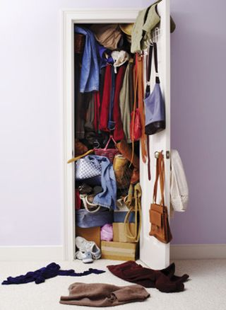 Messy_closet_325