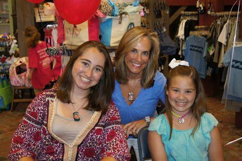 Maddie, Margot, Mom